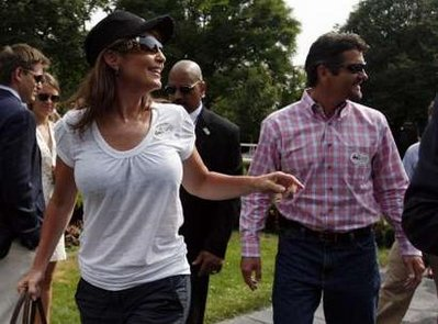 palin white shirt at races