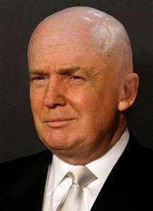 Afbeeldingsresultaat voor trump shaved head