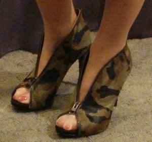 palin-shoes-five