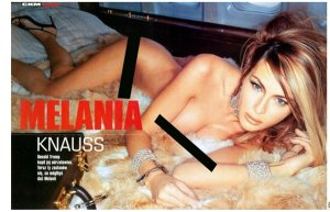 melania-trump-naked-on-a-plane