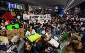 protesters-san-franscisco-airport-muslim-ban
